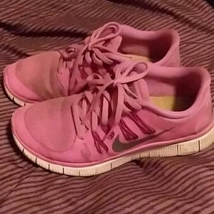 Womans Nike zoom gym shoes